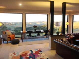 Halcyon Cottage Retreat - stunning views Gippsland - Strzelecki vacation rentals
