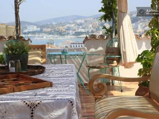 8 bedroom Bed and Breakfast with Internet Access in Kusadasi - Kusadasi vacation rentals