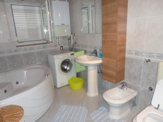 2 bedroom Apartment with Internet Access in Stinjan - Stinjan vacation rentals