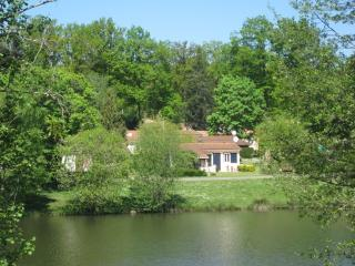 2 nice holiday houses Dordogne/France on a familyparc for 4 adults and 2 kids. - Ecuras vacation rentals