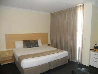 Studio Apartment 33 Western Plus Ascot Apartments - Ascot vacation rentals