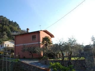Bright House with Balcony and Central Heating - Lerici vacation rentals