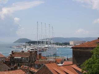 Apartment with sea view - Split vacation rentals