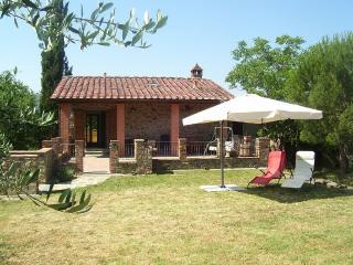 Cozy 2 bedroom Chateau in Arezzo - Arezzo vacation rentals