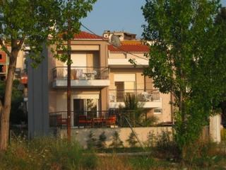 Comfortable 3-bedroom villa close to beach - Neos Marmaras vacation rentals