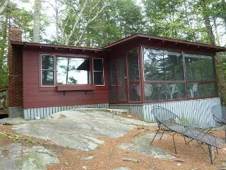 Cottage in Peaceful Setting on Winnipesaukee - Lake Winnipesaukee vacation rentals