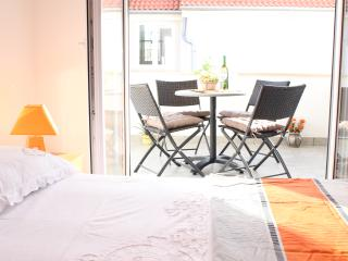 Apartment  A4+1 in Bol  peaceful surroundings - Bol vacation rentals