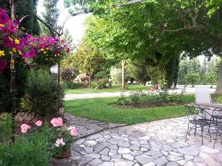 LE JARDIN PROVENCAL - Le Thor vacation rentals
