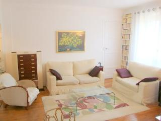 2 bedrooms, comfortable and luxury Champs Elysées - Neuilly-sur-Seine vacation rentals
