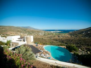 Villa in ANDROS, with breathtaking view and pool - Gavrion vacation rentals