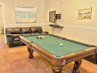 5 Bed  5 Bath Condo - steps to the beach - Pool Table - Ocean Views. BEST PRICES - North Myrtle Beach vacation rentals