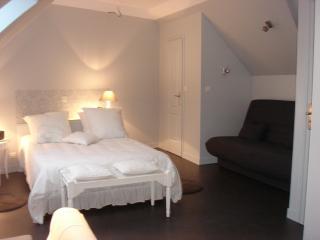 Cozy 2 bedroom Gite in Acheux-en-Amienois - Acheux-en-Amienois vacation rentals