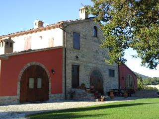 La Quercia Country-House B&B - Cingoli vacation rentals