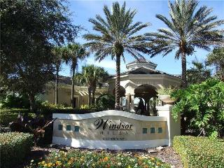 MINUTES TO WALT DISNEY WORLD'S FRONT GATE - Kissimmee vacation rentals