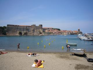 Comfortable 1 bedroom Collioure Apartment with Mountain Views - Collioure vacation rentals