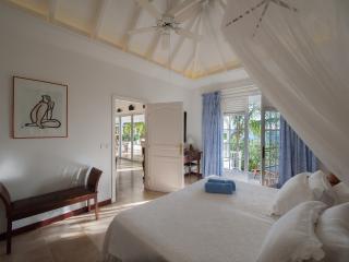Cozy 2 bedroom Villa in Anse Des Cayes - Anse Des Cayes vacation rentals