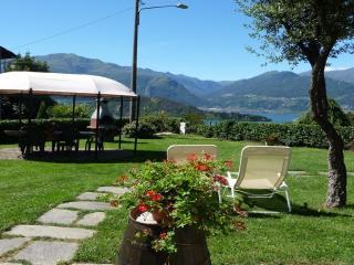 villatrecariole  per 2 con vista giardino - Colico vacation rentals