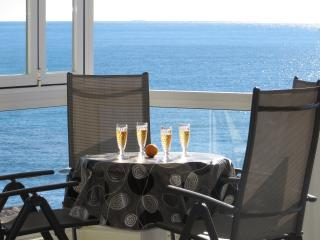 Luxury seafront  apartment - Altea. No car neeeded - Altea vacation rentals