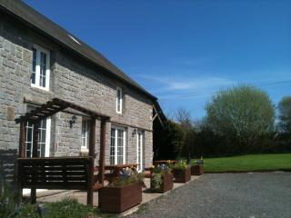 Self Catering Farmhouse 5kms Mortain, Normandy, - Romagny vacation rentals