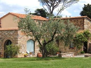 Agriturismo Spazzavento  Olivo - Le Piazze vacation rentals