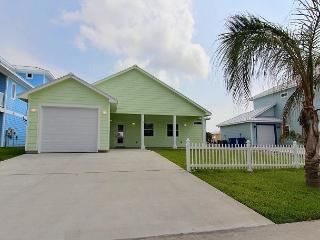 BRAND NEW Sandy Paws, Pet Friendly, 3/3, Wifi, Boardwalk to Beach - Port Aransas vacation rentals