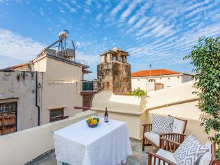 ONAR VERDE: Charming loft in the heart of Old Town - Chania vacation rentals