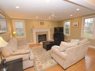 Modern 3 Bed On Bike Path, 4 min drive to beaches - Eastham vacation rentals
