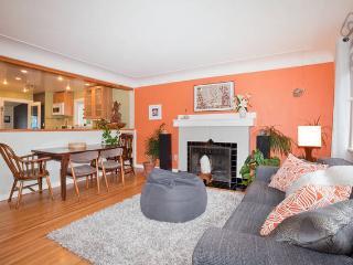 3 Bdrm in Victoria- Stylish, Cozy, Great Location - Victoria vacation rentals