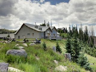 Skyview Chalet - amazing views - Brian Head vacation rentals