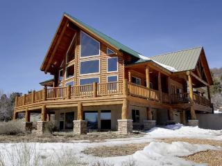 Gateway to the National Parks ....in between Zion and Bryce - Duck Creek Village vacation rentals