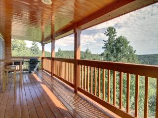 10 Acre Woods beautiful and out of the way.... - Duck Creek Village vacation rentals
