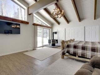 Cabin Sweet Cabin great for large groups - Brian Head vacation rentals