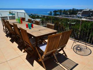 Perfect 5 bedroom House in Terrigal with Deck - Terrigal vacation rentals
