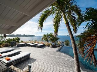 A villa of tranquility and privacy with extraordinary views WV CDM - Pointe Milou vacation rentals