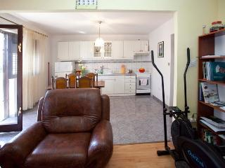 Nice Condo with Internet Access and Dishwasher - Split vacation rentals