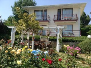 Nice 4 bedroom Villa in Varna - Varna vacation rentals