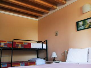 Agriturismo Nuvolino Camera Edera - Monzambano vacation rentals