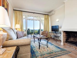 PREMIUM 2 BEDROOM TOWNHOUSE IN A 4 STAR RESORT IN CARVOEIRO OVERLOOKING THE OCEAN – CARVOEIRO - REF. - Carvoeiro vacation rentals