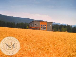 New! Chique, modern home with stunning views! Close to Glacier Park! - Kalispell vacation rentals