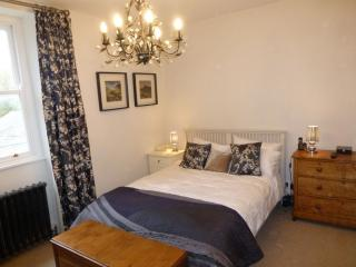 FOX COTTAGE, Arnside, South Lakes - - Arnside vacation rentals