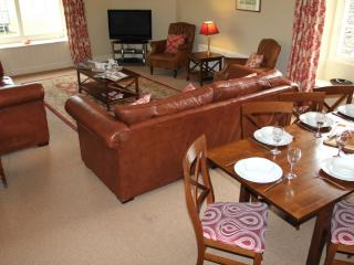 Bright 4 bedroom Cottage in Grasmere with Internet Access - Grasmere vacation rentals