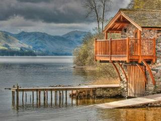 BOATHOUSE DUKE OF PORTLAND, Pooley Bridge, Nr Ullswater - - Pooley Bridge vacation rentals