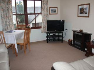 Comfortable 2 bedroom Cottage in Keswick with Internet Access - Keswick vacation rentals