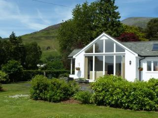 CRAGSIDE COTTAGE, Underskiddaw, Keswick - Under Skiddaw vacation rentals