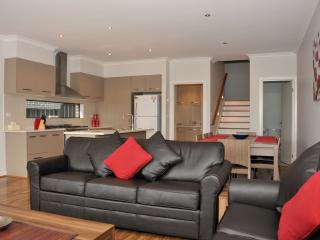VILLA MARIGOLD MELBOURNE - 15 min to City CBD - Greater Melbourne vacation rentals