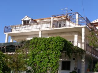 Apartmani Antonia - Okrug Gornji vacation rentals