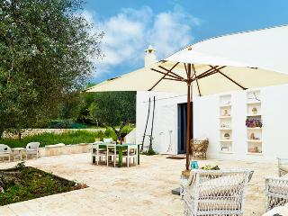 Stunning holiday property in Puglia with vast garden - Ceglie Messapica vacation rentals