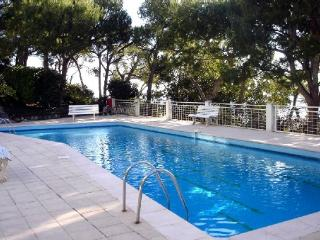 Luxury, 2-bedroom apartment in Nice, French Riviera, with WiFi, panoramic-view terrace & pool - Nice vacation rentals