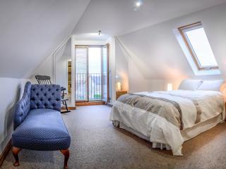 L'Arc de Charme,  Les Arches de Muschamp - Cussay vacation rentals