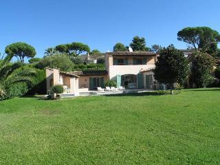 MOUGINS - villa in private domain. - Mougins vacation rentals